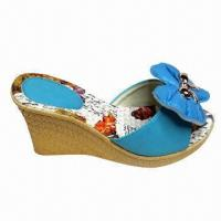 China Fashion Women's wedge shoes/slipper with flower, OEM and ODM orders are welcome on sale
