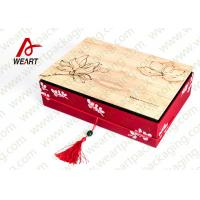 Quality Special Handle Christmas Cardboard Gift Boxes , Beautiful Corporate Gift Packaging Boxes for sale