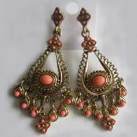 China Zinc Alloy with Peach Stone Earring (E11074) on sale