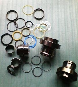 Quality Hitachi ZAX450 hydraulic cylinder seal kit, earthmoving, NOK seal kit for sale