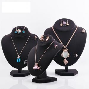 Varnishing Printed Black Velvet Necklace Display Hook Mannequin Display Form
