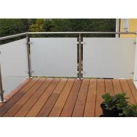 China Custom glass deck railing post balustrade stainless steel and glass railings on sale