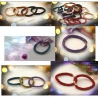 Quality Elastic Hair Band, Made of Plastic and Fabric, Customized Designs/Samples Accepted for sale