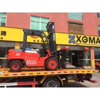 China Hydraulic Transmission 3 Ton Warehouse Lift Truck With 2 Stage Mast And Diesel Engine on sale