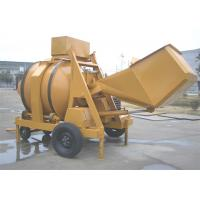 China 2 Towing Wheels Portable Self Loading Diesel Engine Cement Concrete Mixture Machine 16.2KW on sale