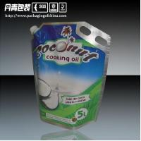 China 5L coconut oil packaging with handle, stand up pouch with Corner spout,aluminium foil on sale