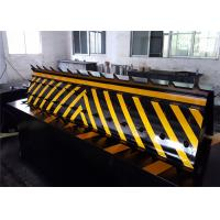 Quality Heavy duty Security Solutions Hydraulic Road Blocker 300mm to 800mm Rising Height for sale