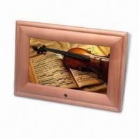 Quality 7-inch Digital Photo Frame with Pine Frame, Available in Different Designs for sale