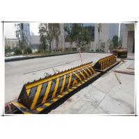 Quality Vehicle Hydraulic Road Blocker / Forceful armor superior protection rising kerb for sale