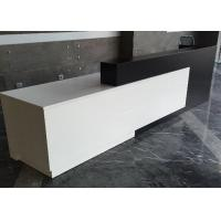 China Contracted Style Fashion Retail Store Checkout Counters Black And White Color for sale