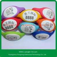 China Silk-creen Printing ISO14443A Silicone RFID Wristband with  chip on sale