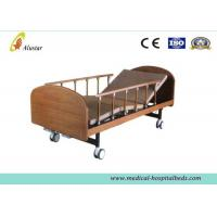 "Quality Medical Wooden Medical Hospital Beds Double Cranks With 4pcs 4"" Noiseless Castors ( ALS-HM002) for sale"