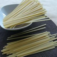 Quality Gluten free Jasmine white rice noodle with fettuccine/spaghetti shape for sale