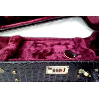 China Scratching Resist Universal Electric Guitar Flight Case With Metal Accessories on sale