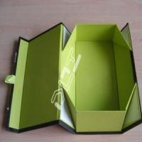 China collapsable foldable magnet closure box for sale