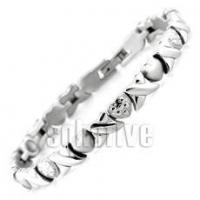 Quality Hugs & Kisses Magnetic Bracelet with Loving Hearts 7 5/16 in (Standard) for sale