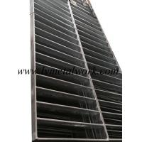 China Gratings, Manhole Covers, Sewer Covers on sale