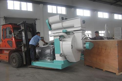 Buy Fish feed granulator making machine Floating feed pellet machine at wholesale prices